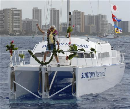 wave powered catamaran boat From Hawaii to Japan using only the power of the waves