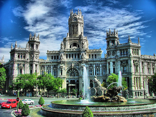 madrid plaza cibeles Official Vehicles in Madrid to Use Clean Fuels by 2011