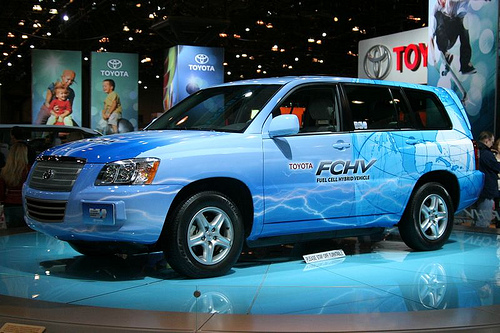 toyota fchv Toyota FCHV adv: improved hydrogen fuel cell vehicle