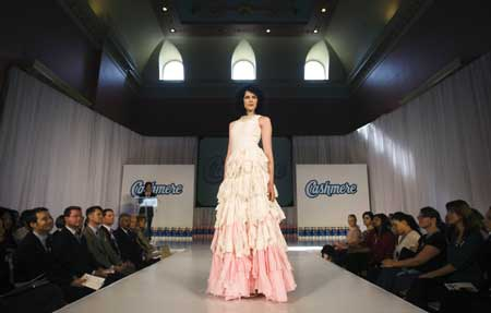 toiletpaperdress1 Toilet Paper Used for Making Dresses