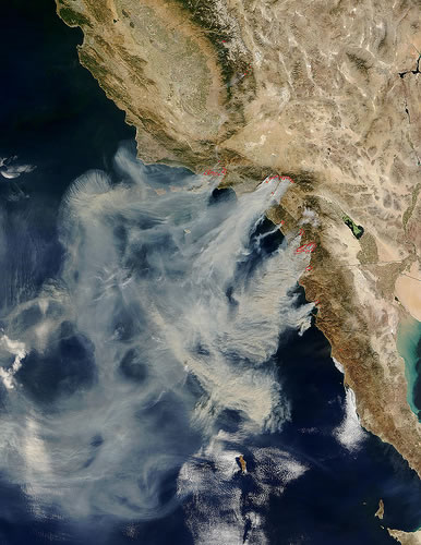 http://www.greenpacks.org/wp-content/uploads/2008/10/satellite-photo-fires-in-southern-california.jpg