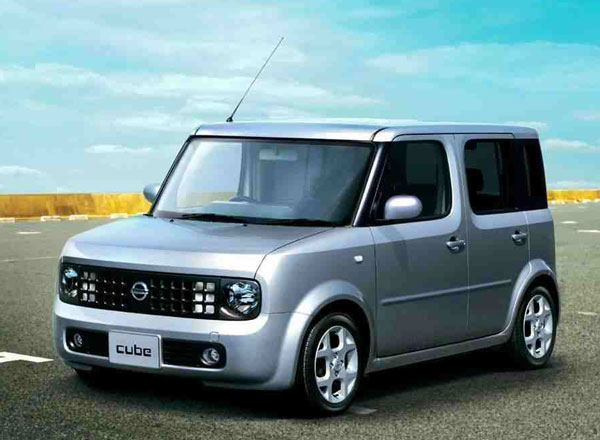 nissancube Japans Honda, Nissan Still Going Green, Um, Strong