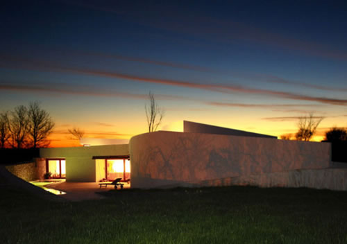 llorenc house 1 Llorenç House: Solar Passive Design Creates an Energy Conscious Green Bub