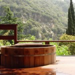 seaotter-wooden-hot-tub-2