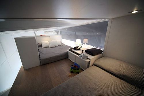 Vodafone trailer home from Waskman Design Studio