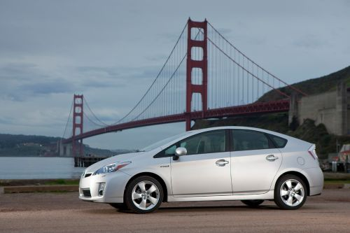 prius2 Rumors Point to Prius Coupe and MPV