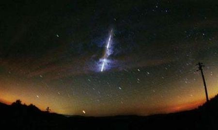 Stellar shot of bright meteor