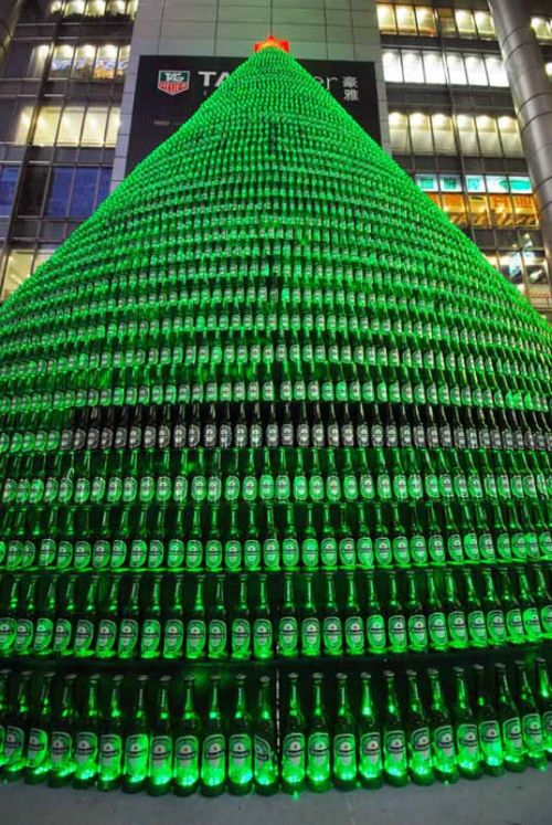 beer christmas tree 2 Chinese Make Christmas Tree From 1000 Beer Bottles