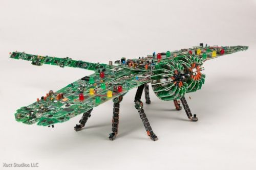 pcb sculptures2 Artist Upcycles old Circuit Boards Into Art