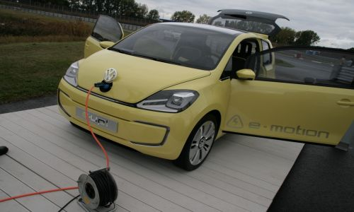 eup 1280 012222 Volkswagen leads electric mobility with first battery powered Golf Blue e motion