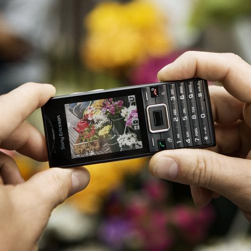 Sony Ericsson Elm Sony Ericsson Elm Most Eco Friendly Phone, Rates O2