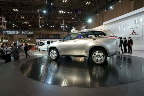 9688648 Mitsubishi to Introduce 8 New EVs/Plug In Hybrids by 2015