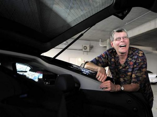 stephen king Stephen King Just Loves His Chevy Volt