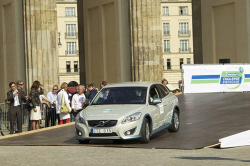 Volvo c 30 electric Volvo Unveils C30 Electric Hatchback in Europe