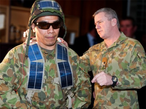 soldier solar Aussie Soldiers May Get to Wear Light Weight Solar Panels