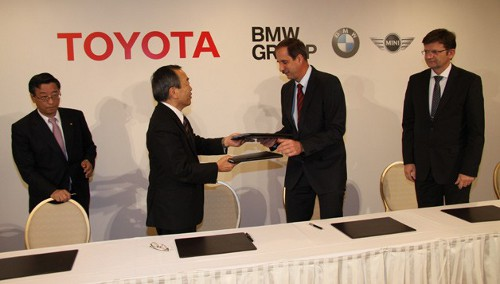 BMW toyota BMW Toyota Pact for Li ion Battery Research