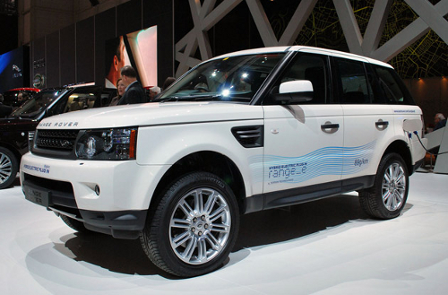 car12 Land Rover Hybrid Range Rover to Debut this Year End