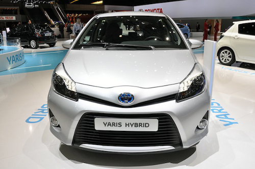 yaris1 Toyota to Sell 10,000 Yaris Hybrid Cars in France
