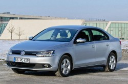 2013-vw-jetta-hybrid-qs1