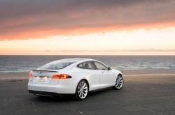 tesla-model-s_100413301_l