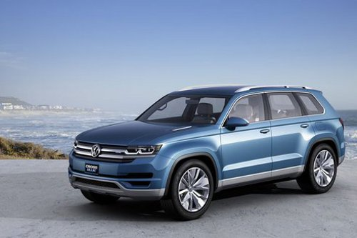 6a00d8341c4fbe53ef017ee7647d07970d 800wi.jpeg.492x0 q85 crop smart VW CrossBlue Plug in Diesel Electric SUV Out