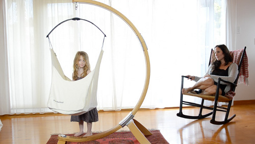 hushamok 2 Hushamok Hammock Offers Womb like Security for Newborn Babies