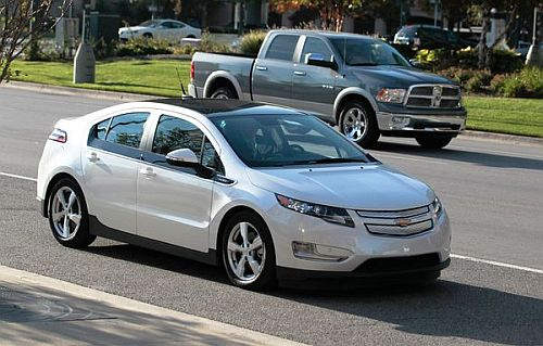 chevrolet volt 5 Tips for Car Rentals to Get More Customers: GO GREEN!