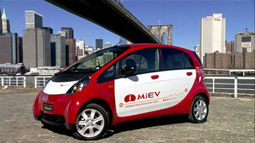 mitsubishi imiev electric car1 Mitsubishi Recalling 14,700 Electric Cars Due to Brake Issue