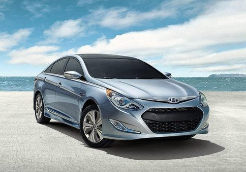 update Updated 2013 Hyundai Sonata Hybrid Comes with Better Features and a Cheaper Price Tag
