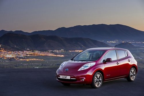 Nisssan Nissan UK Introduces Battery Leasing Plans on LEAF Models