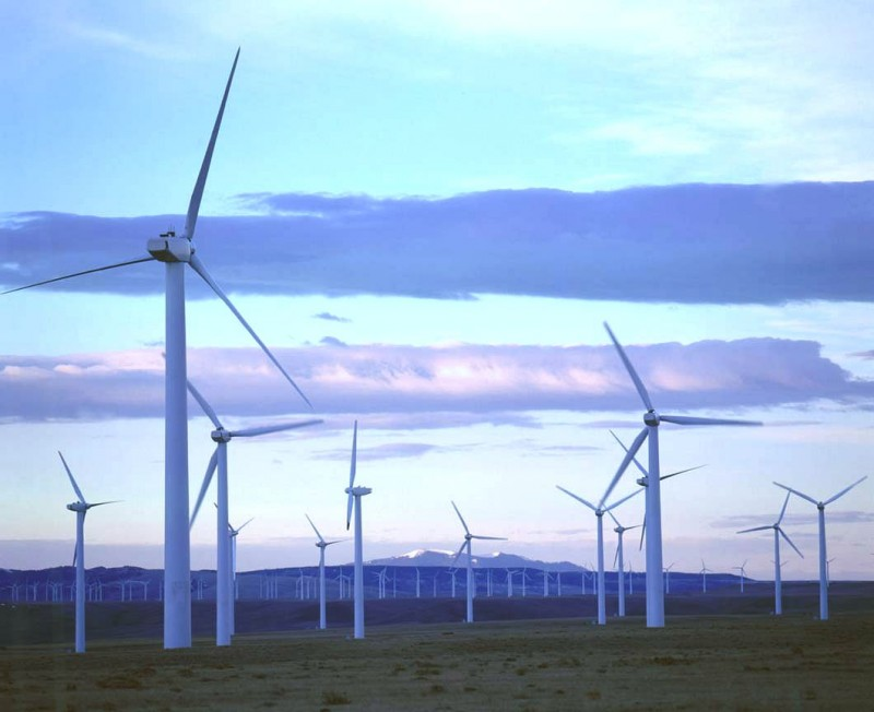Michigan wind turbine farm e1383847128548 Wind Power Is Growing in Michigan Despite Opposition