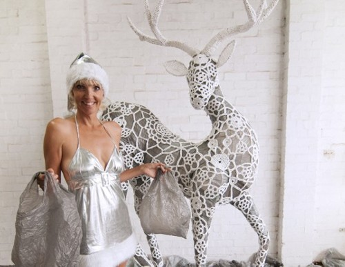 ShoppingBag Celebrate Christmas with a Reindeer Made from 2,000 Plastic Bags
