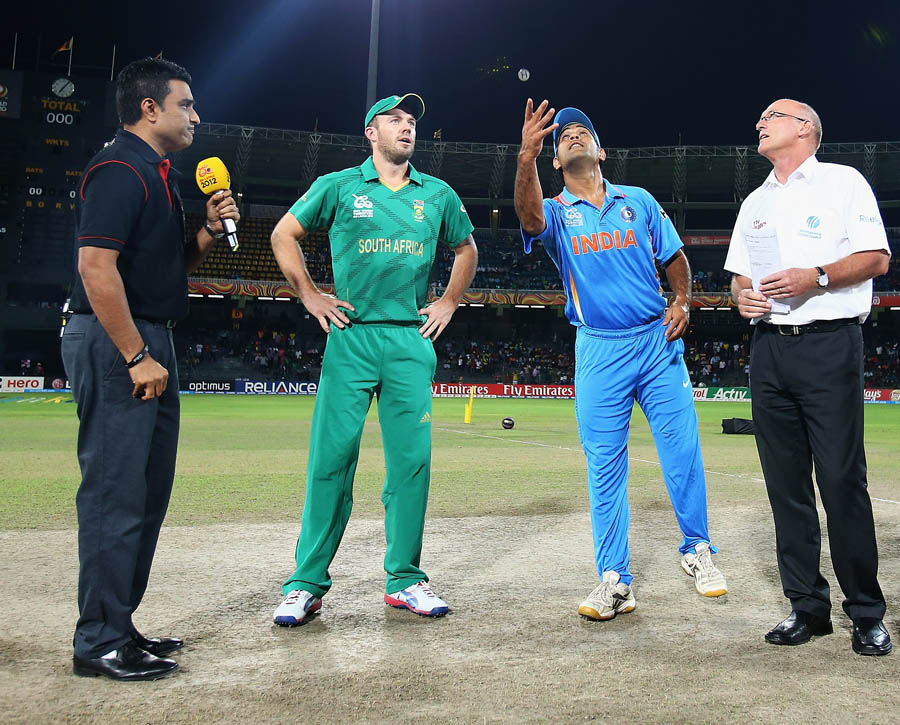 MS dhoni and de villiers at the toss.. Watch highlights of India vs South Africa T20 World Cup 2014 semi final match