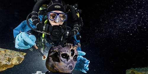 Human skull found in underwater cave Mexico Ancient Skull In An Underwater Cave Reveals Origins Of Early Native Americans