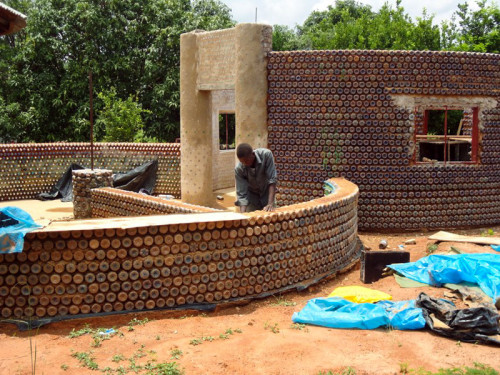 nigeria homes e1448886328950 Homes Made of Plastic; Nigeria Dazzles in Recycling